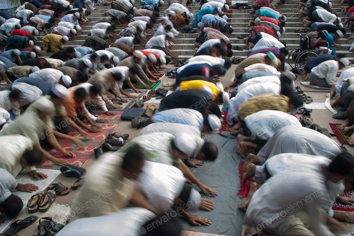 noon prayers (Zuhr) in Dhaka, Bangladesh.