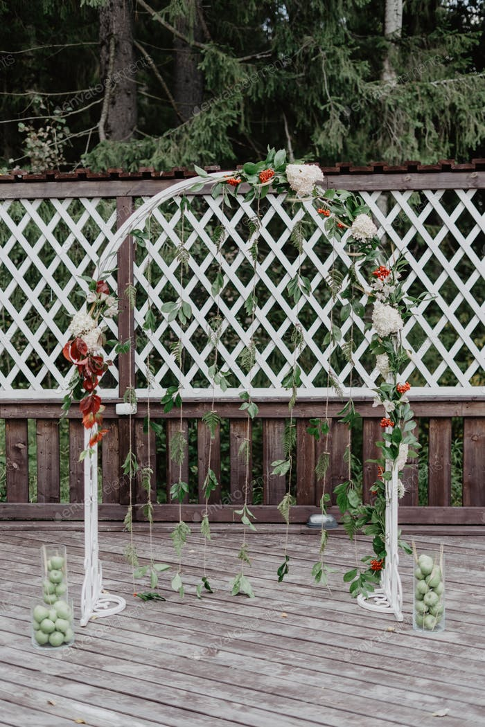 wedding ceremony / wedding in summer / rustic wedding