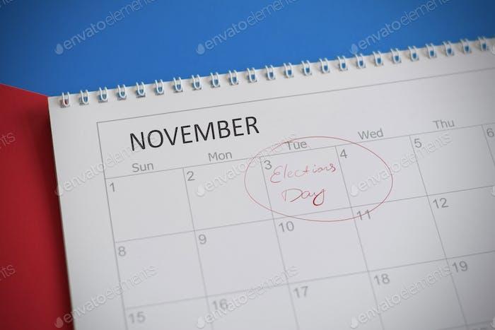 Kalender mit eingekreistem 3. November, Wahltag in den Vereinigten Staaten von Amerika