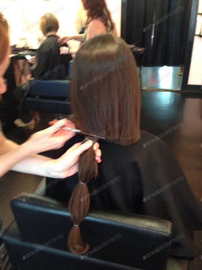 Der Haarschnitt