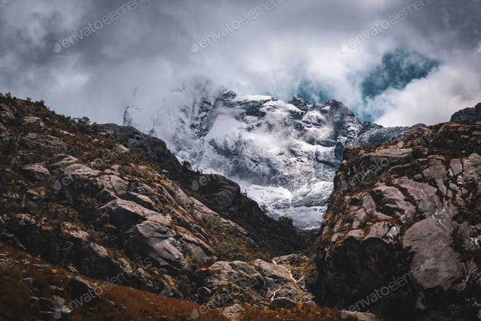 Epic view of a snowcapped mountain.