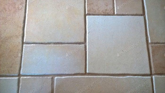Abstrakte Geometrie in Keramikfliesen
