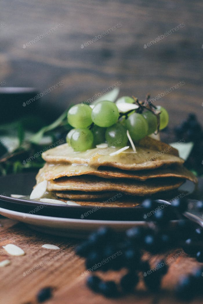 Wholegrain oat pancakes with grape