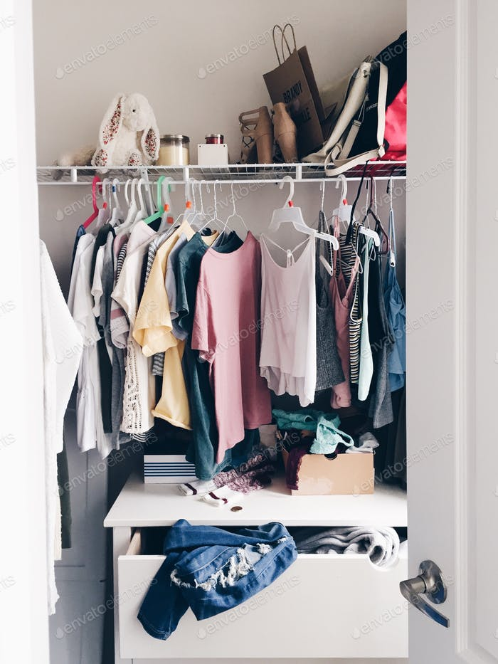 Teenager's closet 💲