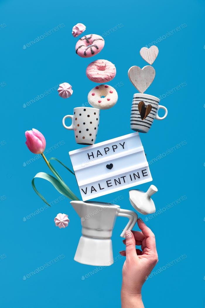 """Frohes Valentinstag, konzeptionelles kreatives Design mit den Worten """"Happy Valentine"""" auf Leuchtbrett mit Pyr"""