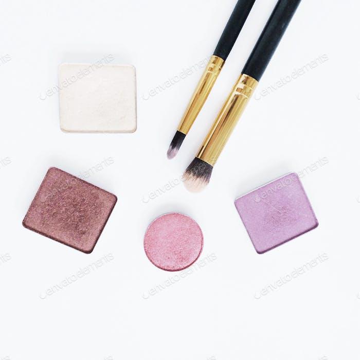 Make Up Eyeshadows and brushes