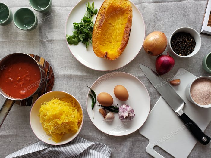 Preparing vegetarian meal using squash