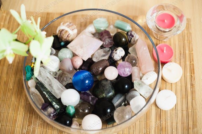 Halbedelsteine, runde Steine, längliche und andere Formen