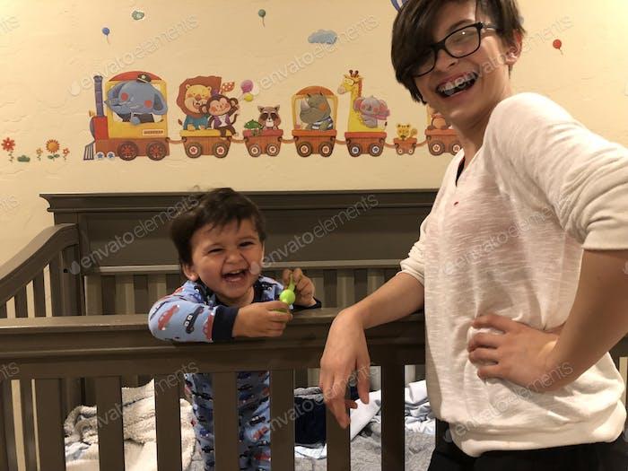 Crianças se divertindo