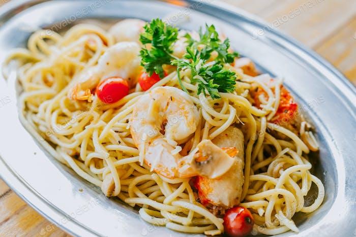 detail of pasta spaghetti aglio olio