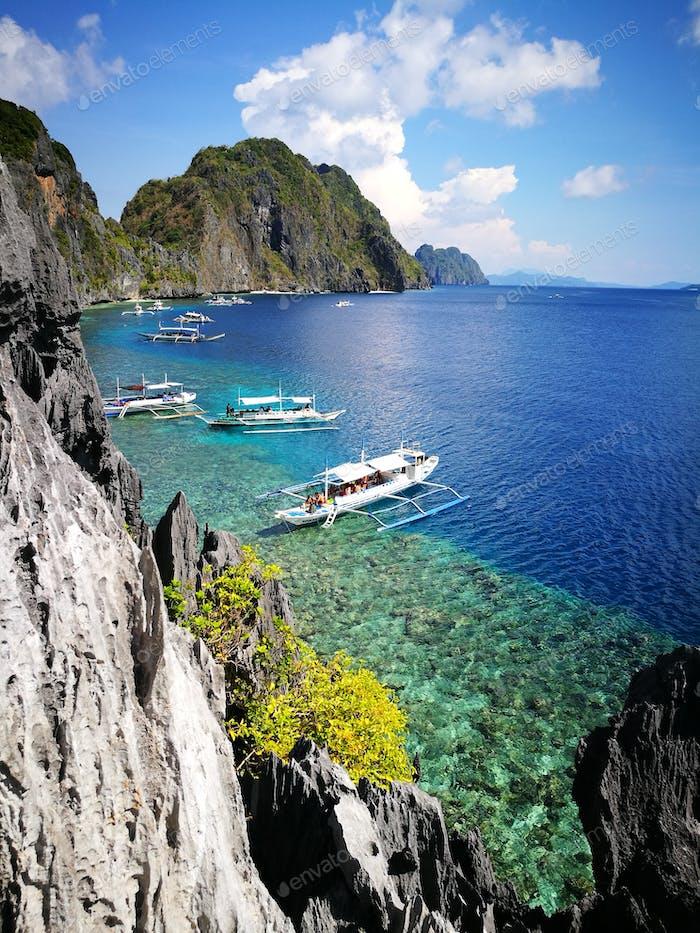 Different shades of blue @ El Nido, Palawan, Philippines
