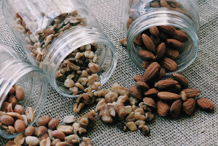 Healthy eating habit and dry fruits