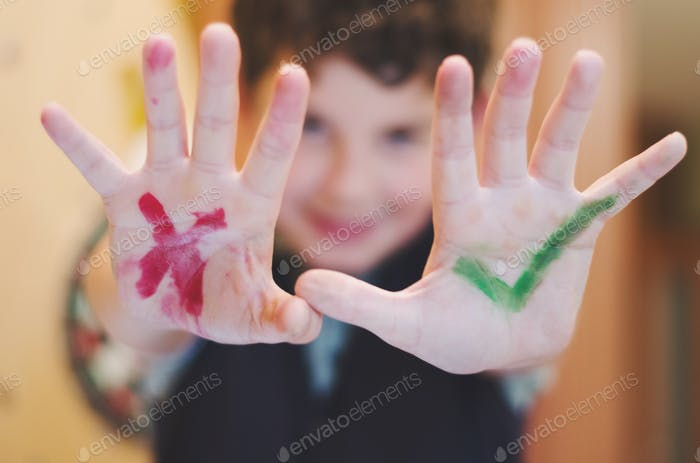 True or false guess choose right answer green red kid's hands signs bright and light colorful quiz