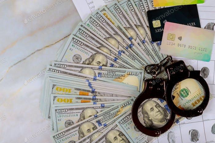 Criminal investigation arrest in the use of crime other people's credit cards
