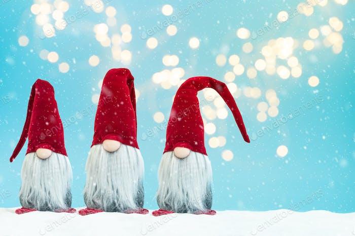Snowy noel gnomes (elfes) background