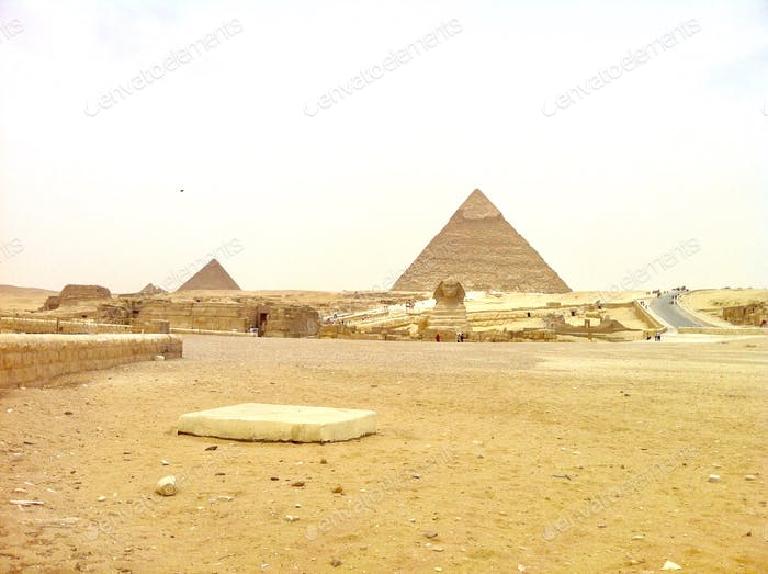Ancient history and beauty...part and parcel of Giza's cityscape