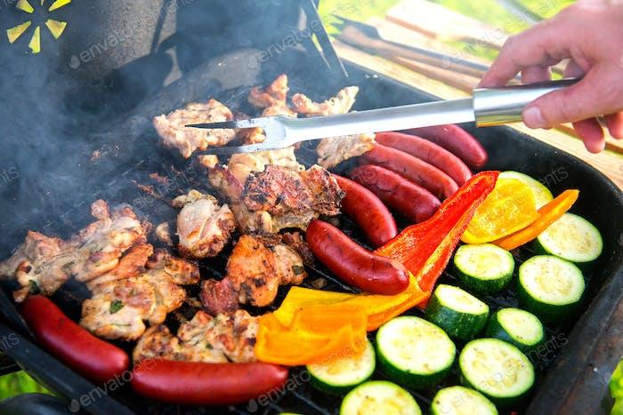 Barbacoa y verduras a la parrilla.