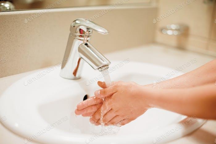 wash hands cleanliness hygiene coronavirus