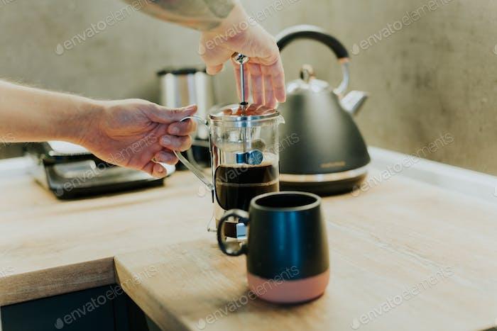 French press coffee making