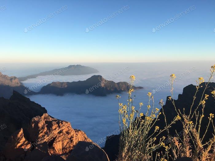 Mar de nubes. Roque de los Muchachos en La Palma, Kanaren.