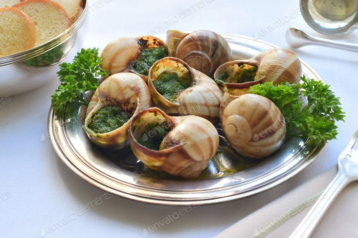Escargot on the table