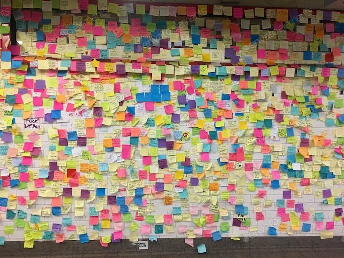 Motivationelle Post stellt fest, in NYC U-Bahn