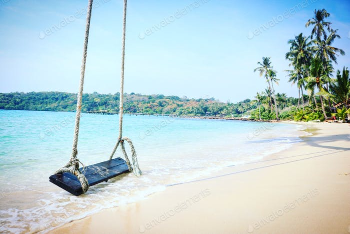 A very enticing entrance into the Gulf of Thailand, via water swing.