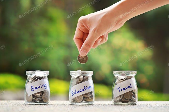 Ahorro de dinero para el concepto de fondo de educación.