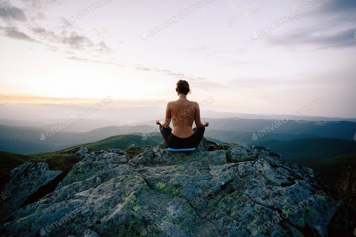 the meditation on cliff