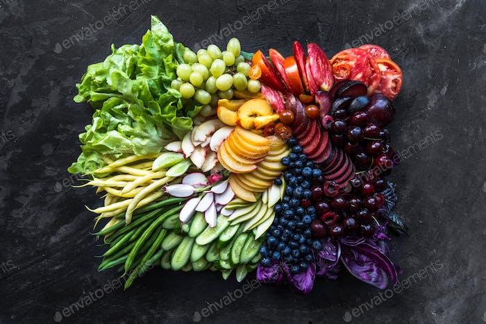 Fruit and veggie rainbow array