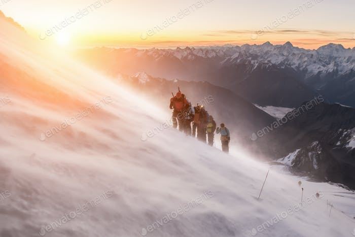 Elbrus, a group of climbers at dawn at an altitude of 5200m.