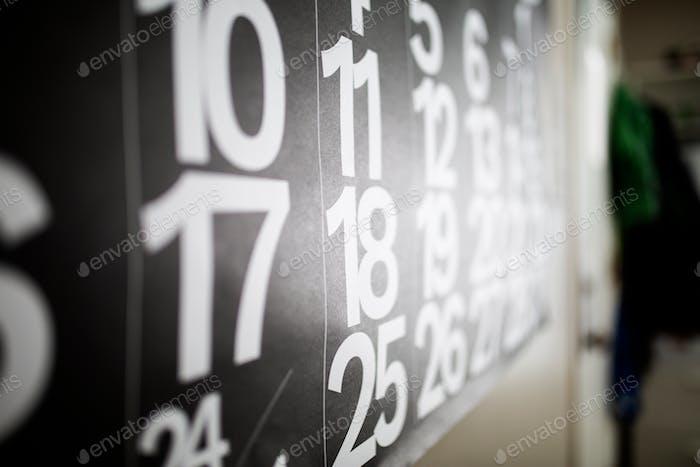 Calendario blanco y negro