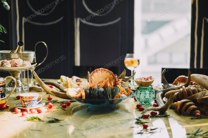 Glamorous dining celebration