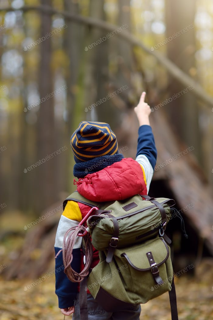 scout, boy, hiking, adventure, outdoors, child, scouting, teepee, pointing, orienteering, forest, ki