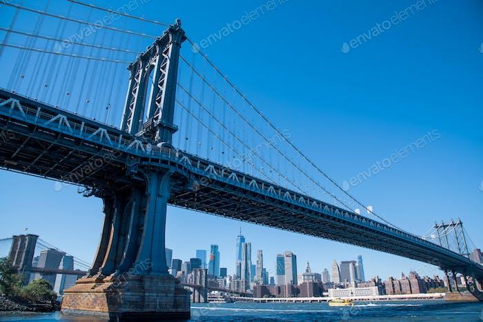 Puente azul cielo azul Manhattan
