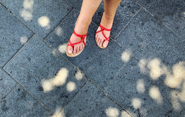 Nom by Tze Lin🙏🏻Red sandals