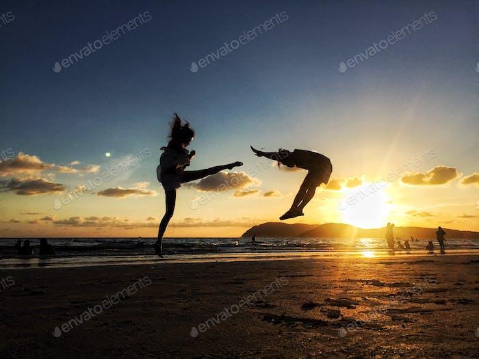 Kick & Fly