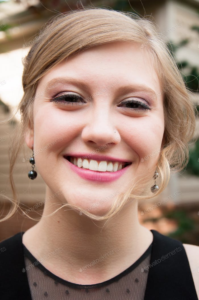 Smiling prom gal