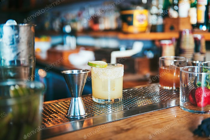 Margarita on bar table