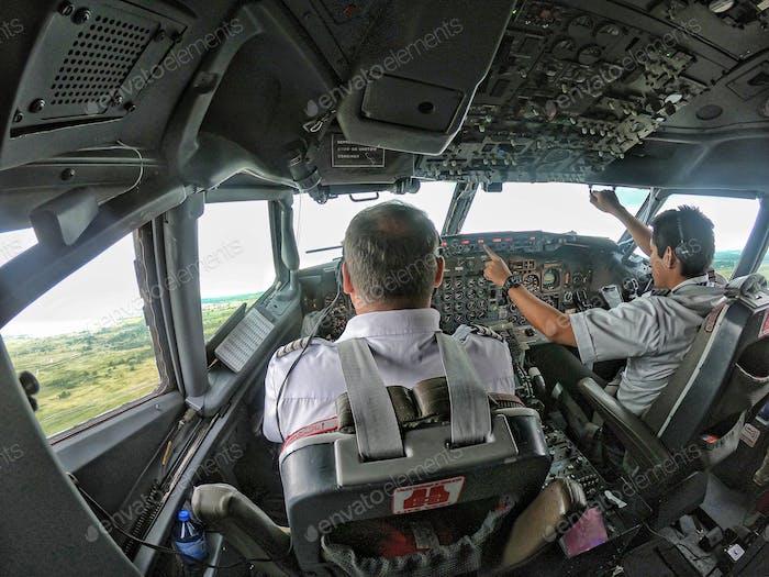 Takeoff Camaguey Boeing 737-300