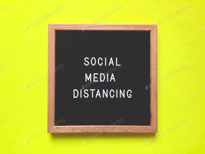 Distanzierung in sozialen Medien