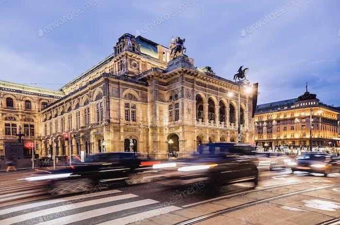 Vienna opera House by night - Wien Staatsoper bei Nacht