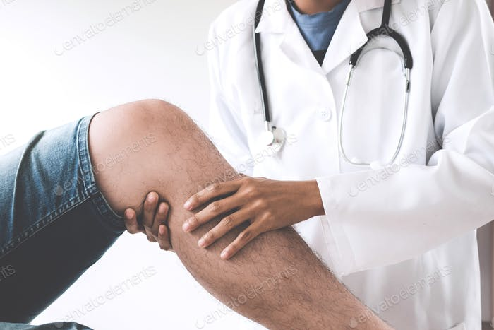 Doctor checking patient with knees to determine the cause of illness