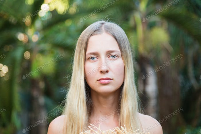 ⭐️⭐️⭐️ Nominated ⭐️⭐️⭐️ Woman girl face portrait blonde hair long eyes looking at camera serious
