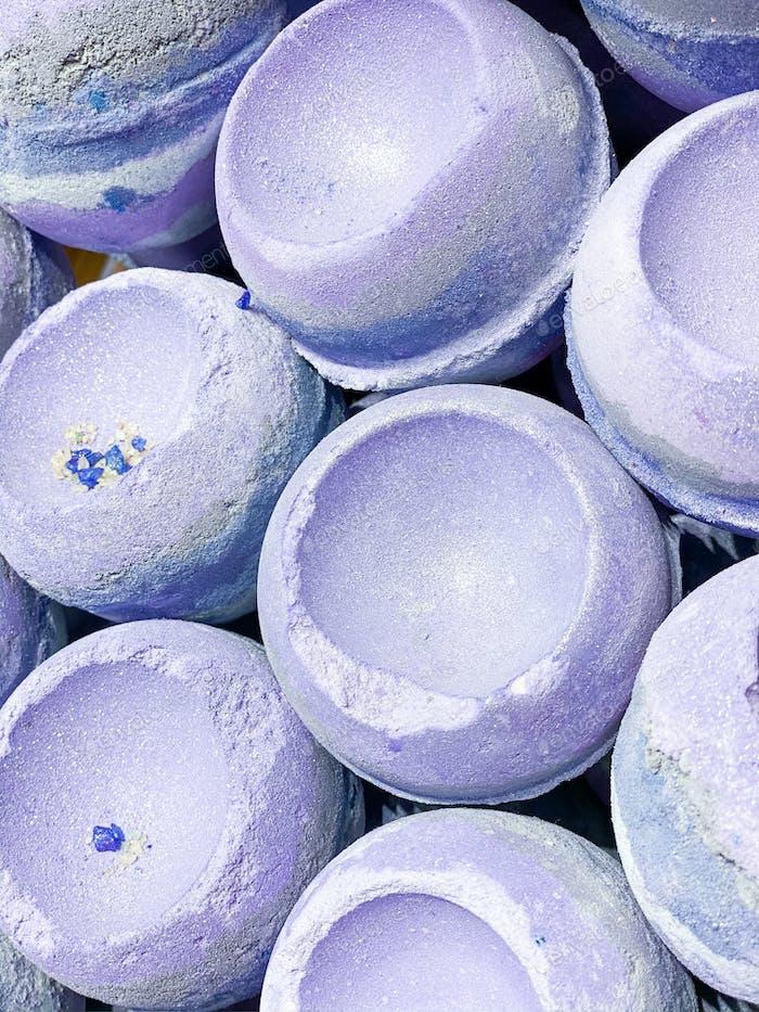 Lush glitter bath bombs