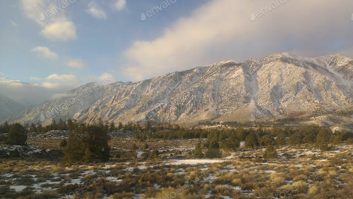 Mountains just a bit south of Mammoth Lakes, California.