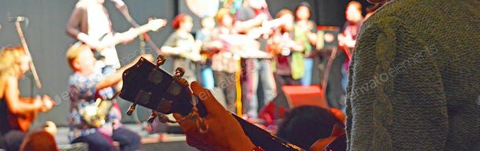 Gran Final con participación del público en el Grand Northern Ukelele Festival 2016