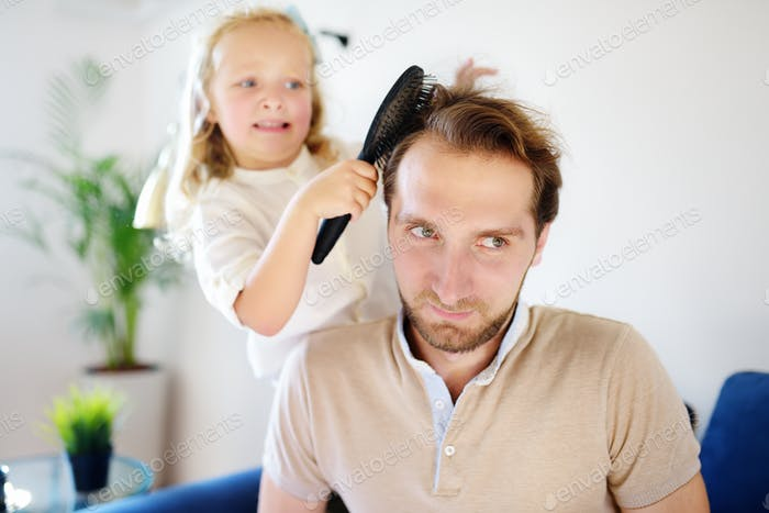 care, hair, dad, daughter, hairdresser, hairstyle, hair style, hairbrush, haircut, brush, father, fa