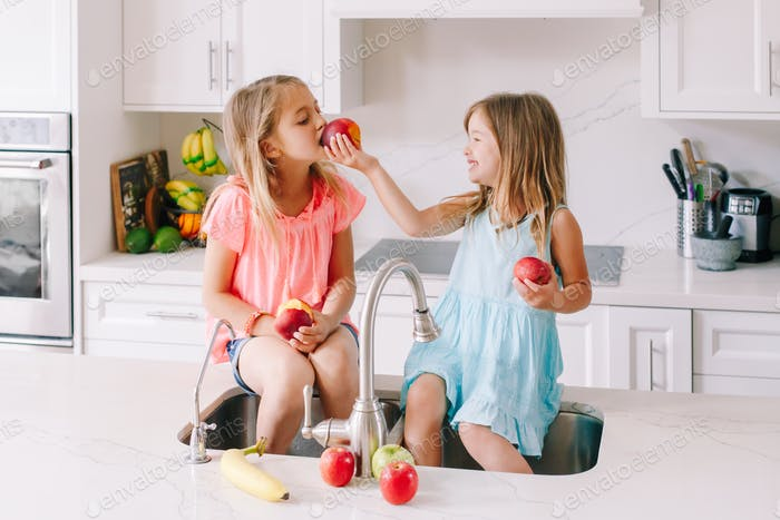 eat; children; food; share; snack; meal; fruits; healthy; fresh; organic; kitchen; sink; sisters; ap