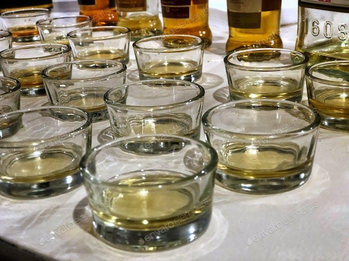 Eine Verkostung von Whiskeys